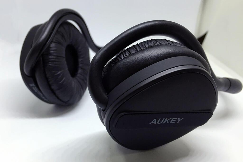 AUKEYの耳掛け式bluetoothヘッドセット「EP-B26」レビュー。コンパクトで長時間駆動のすごいやつ