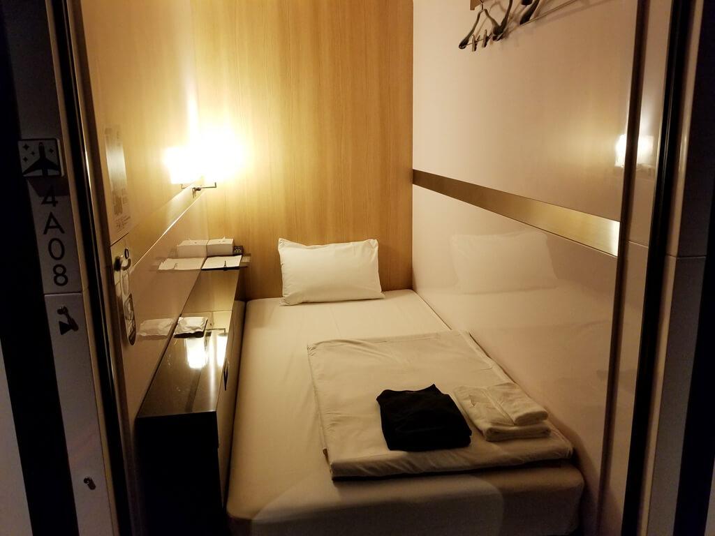 「FIRST CABIN(ファーストキャビン)日本橋よこやま町」宿泊レポート。必要な物は一通り揃っている格安キャビンホテル
